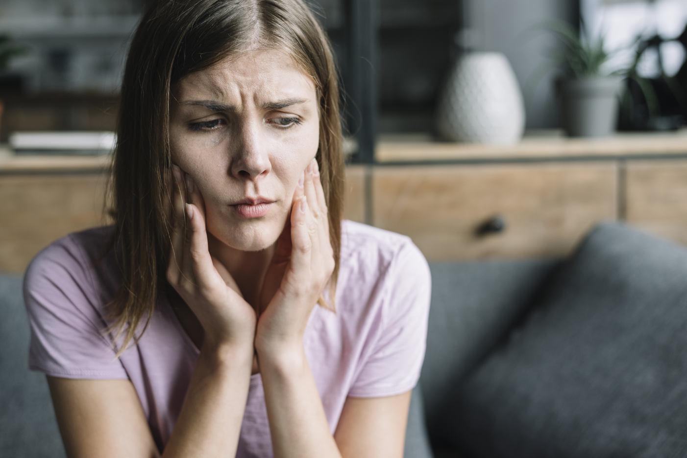 Что делать если зубы реагируют на горячее и холодное?